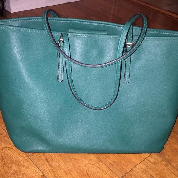 Merona Green Tote Bag. M 5a94de2e2ae12f963adac55d f8633b2498e50